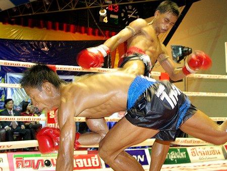 Muay-Thai 8 leté děti v ostrém zápase