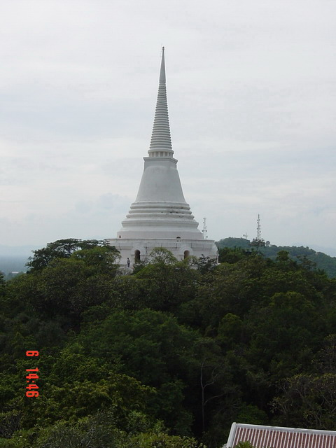 Jom Petch Pagoda