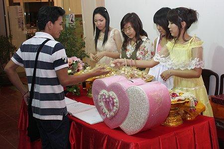 Thai wedding date