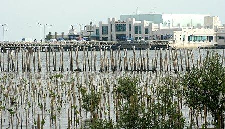 Bang Poo Seaside Resort