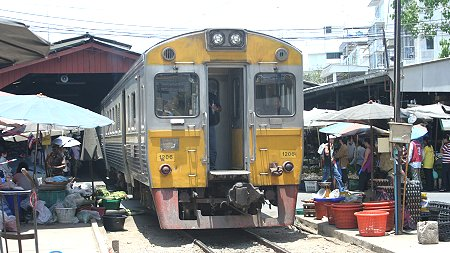 Maeklong railway