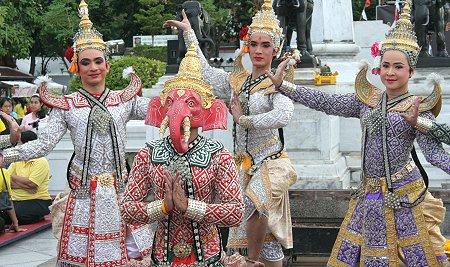 Wat Arun festival