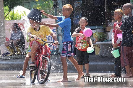 Songkran Festival: 13-15 April 2012 - Thailand Festivals and Events ...
